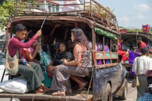 Fortbewegungsmittel in Myanmar Taxi