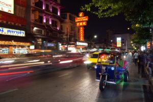 Bangkok bei Nacht China Town Tuktuk