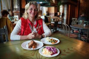 Riga Essen und Trinken Lido regionales lettisches Essen Selbstbedienung