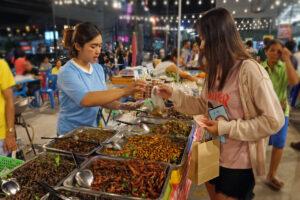 Nachtmarkt im Isaan Nakhon Ratchasima Korat Khorat