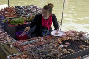 Amphawa Floating Market schwimmender Markt Nähe nahe an Bangkok südwestlich südlich von