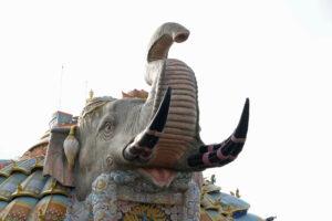 Thailand Isaan Elefantentempel in Dan Khun Thot
