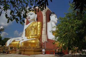 Bago die 4 sitzenden Buddhas in der Kyaik-Pun-Pagode in Myanmar
