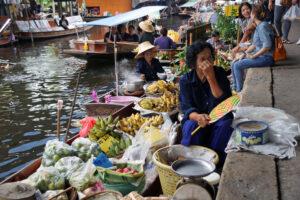 Damnoen Saduak Floating Market schwimmender Markt Nähe nahe an Bangkok südwestlich südlich von