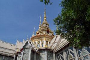 Thailand Isaan der weiße Tempel bei Korat Nakhon Ratchasima