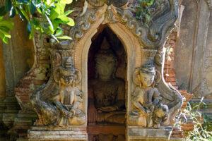 Inle See in Myanmar In Dein Village Shwe-in-tain-Pagode Klein Bagan
