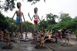 Bangkok Chonburi Wat Saen Suk Hoellentempel