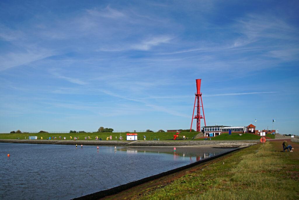 Nordsee Strand in Butjadingen Eckwarderhörne aus Rasen und Wasserbausteinen