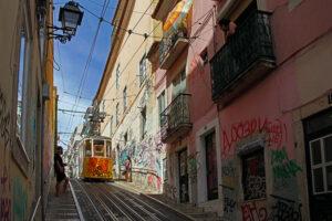 Lissabon Fortbewegungsmittel elevador da Bica Standseilbahn
