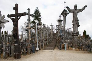Litauen Hügel der 1000 Kreuze Berg Lithuania Wallfahrtsort Katholiken Papst Hill of crosses