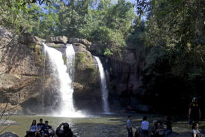 Khao Yai Nationalpark in Thailand: Natur pur und Wasserfälle (Haew Suwat Wasserfall und Haew Narok Wasserfall)