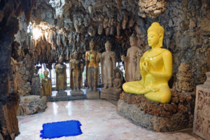 Thailand Isaan Höhlentempel Tempel cave temple wat payat
