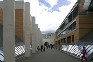 Nürnberg die Straße der Menschenrechte Dani Karavan Sichtbeton